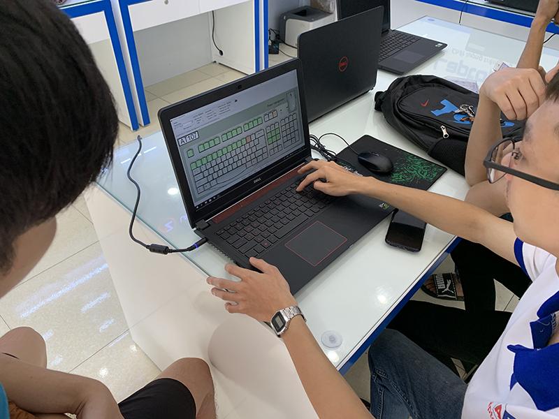 co-nen-mua-laptop-tai-laptopaz