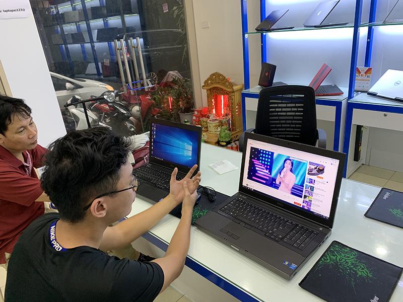 co-nen-mua-laptop-cu-tai-laptop-az